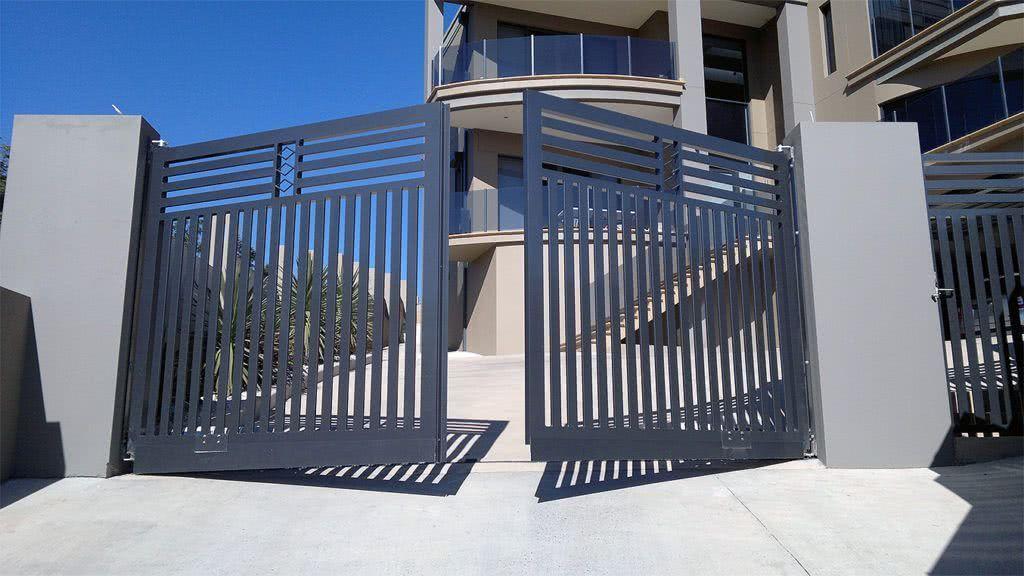 Виды распашных ворот