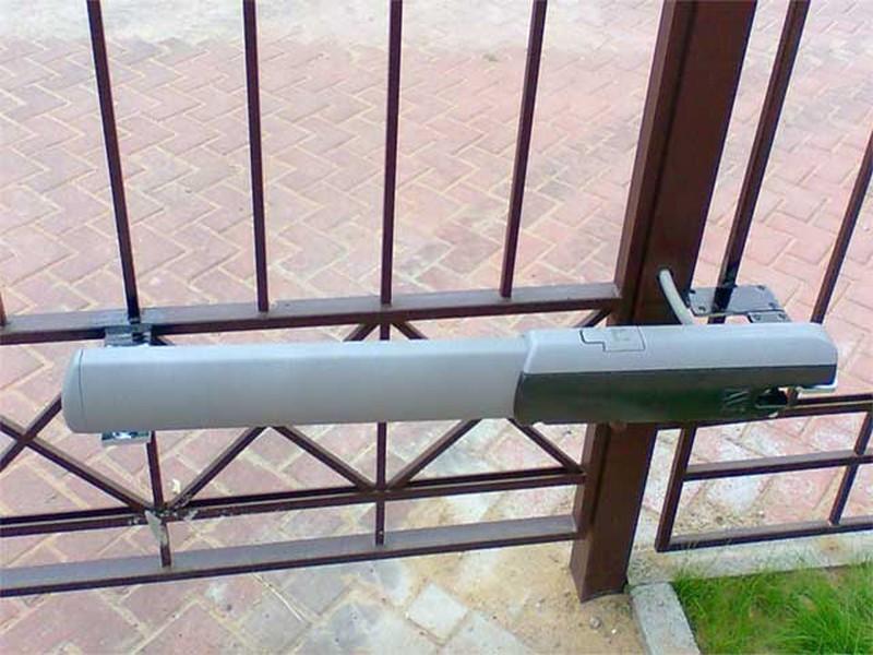 Привод CAME ATI5000 — 230 В линейный, самоблокирующийся для распашных ворот, арт. 001A5000A