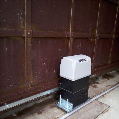 FAAC 844 R 3 привод для откатных ворот (шестерня Z12)