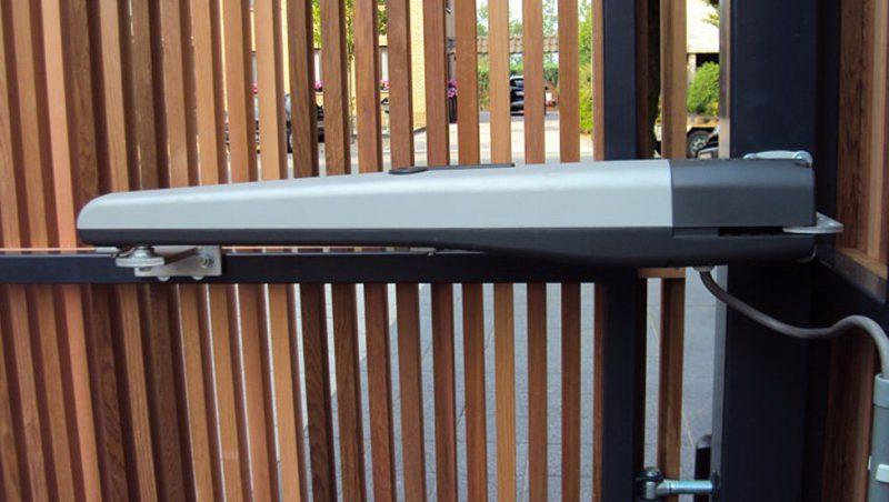 Nice TO4024 привод для распашных ворот